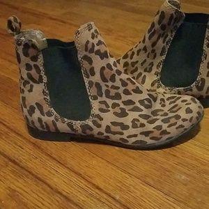Shoes - Leopard/cheetah print ankle boots size 5.5